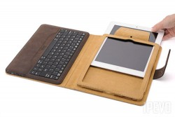 2-in-1 IPEVO Typi Folio Case and Wireless Keyboard for iPad2/3/4 Brown